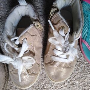 Carter's Size 7 Toddler Sneakers